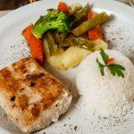 file-de-peixe-com-legumes